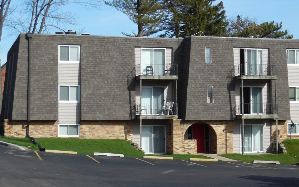 Glenbrook Apartments