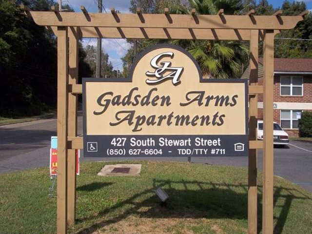 GADSDEN ARMS APARTMENTS Photo