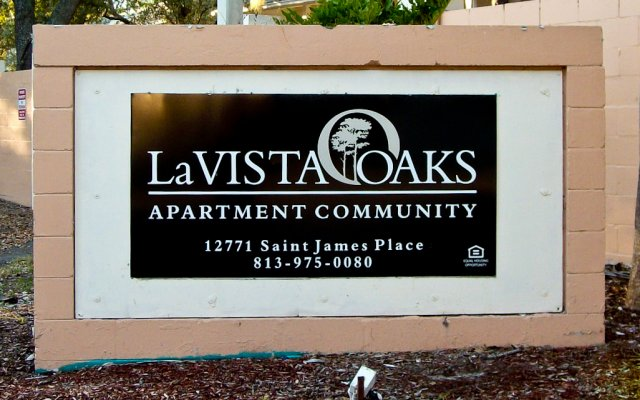 La Vista Oaks Apartments