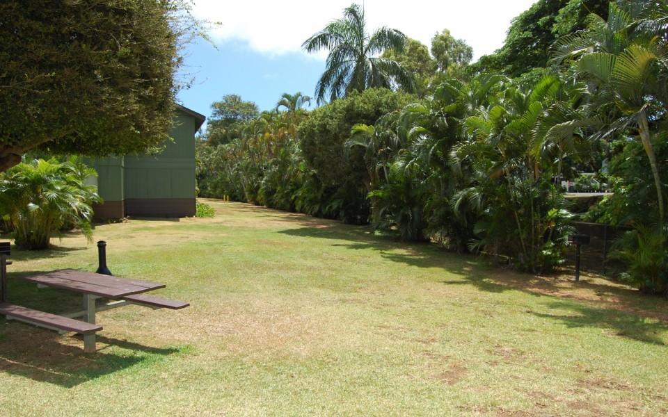 Waimanalo Apartments