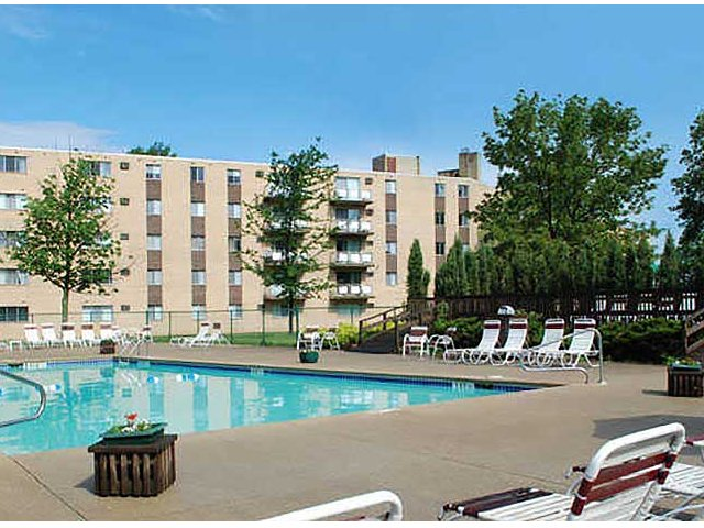 Strongsville Apartments Chestnut Lake Apartments