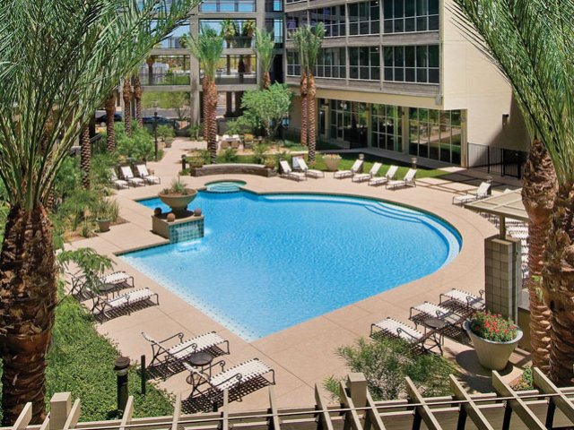 Image of Swimming Pool for Skyline Lofts Apartment Homes