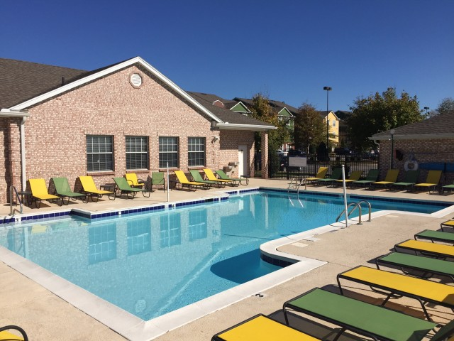 BG Apartments Near School | Hilltop Club in Bowling Green, KY