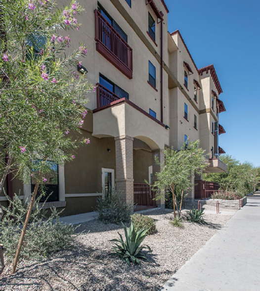 The Junction at Iron Horse | University of Arizona Housing