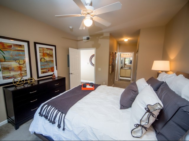 Apartments for rent in Elk Grove | Stone Lake