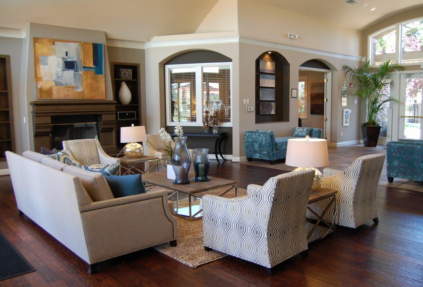 Roseville CA Apartments | Pinnacle at Galleria Apartments