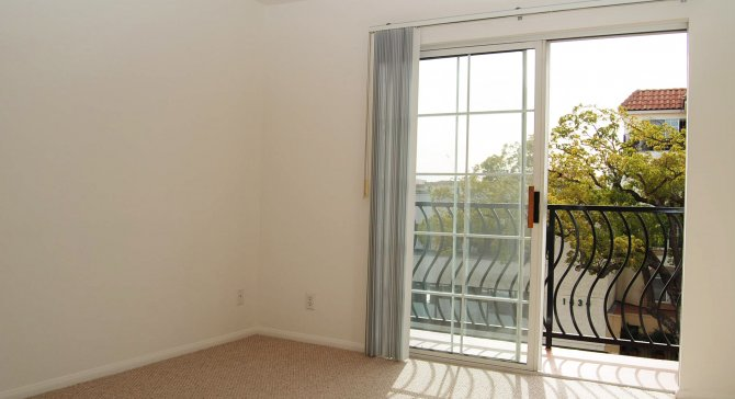 Affordable Santa Monica Apartments For Rent Studio One Two Three Bedroom Apartments At 1425