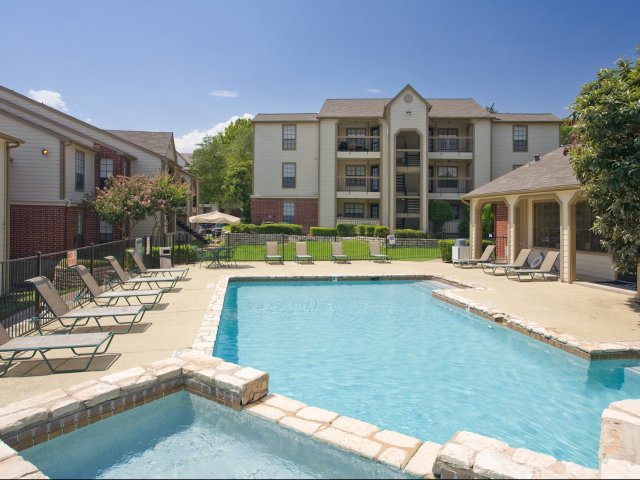 Arbors of Wells Branch Apartments for Rent in Austin, TX | Swimming Pool with Sundeck
