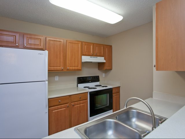 Arbors of Wells Branch Apartments for Rent in Austin, TX | Kitchen
