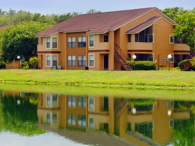 Oak Ramble | Apartments For Rent in Tampa, FL | Apartments on the Lake