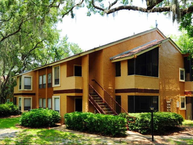 Oak Ramble | Apartments For Rent in Tampa, FL | Apartment Building Exterior