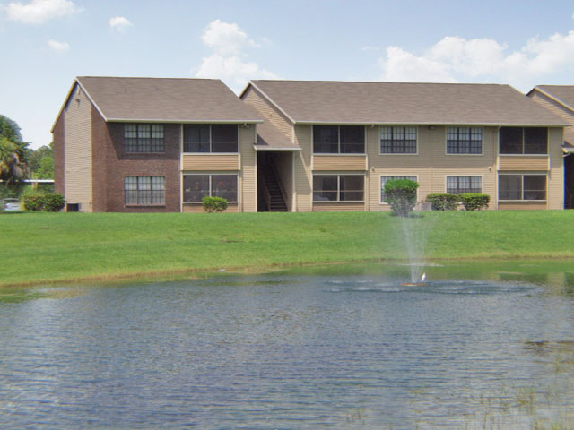Sartaoga | Apartments For Rent in Melbourne, FL | Private Lake