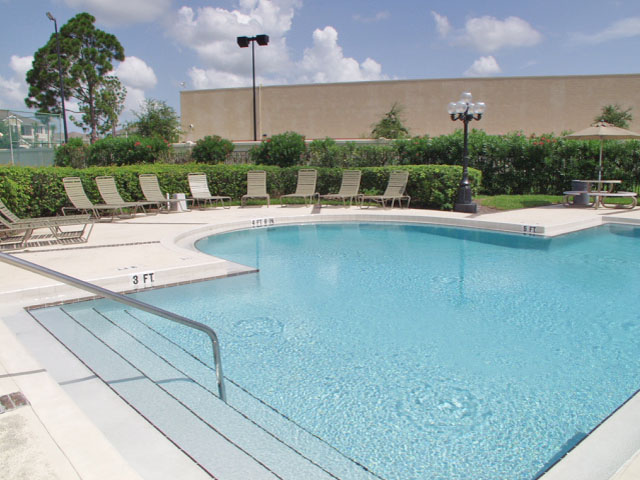 Sartaoga | Apartments For Rent in Melbourne, FL | Swimming Pool