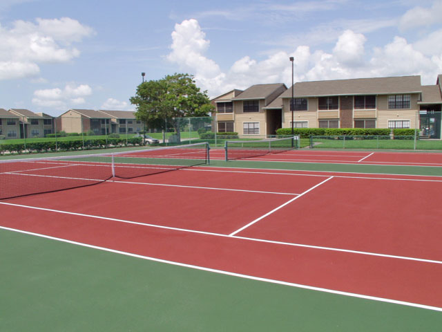 Sartaoga | Apartments For Rent in Melbourne, FL | Tennis Court