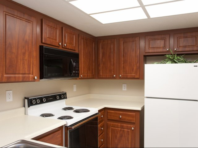 Meadow Glen | Apartments For Rent in Glendale, AZ | Kitchen Cabinets