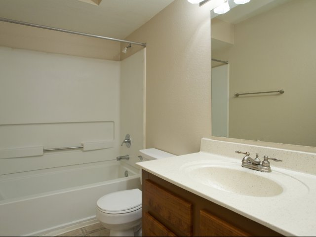 Meadow Glen | Glendale, AZ Apartments For Rent | Bathroom