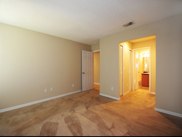 Oak Ramble | Apartments For Rent in Tampa Palms, FL | Bedroom and Bath