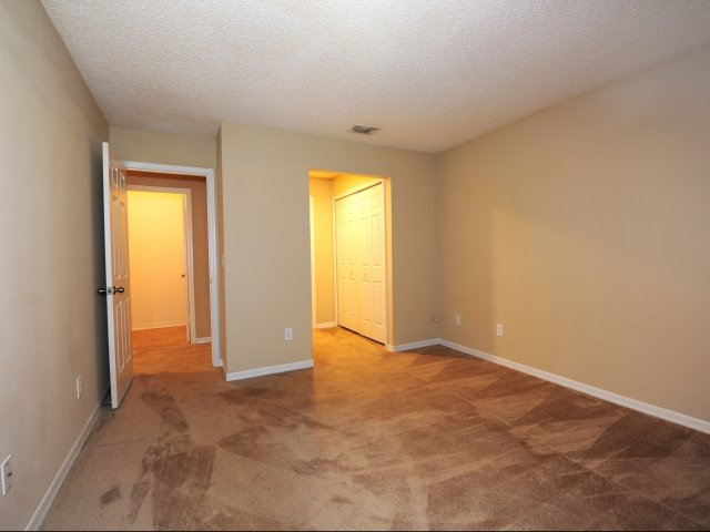 Oak Ramble | Apartments For Rent in Tampa, FL | Closet Space in Bedroom