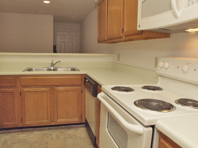 Sartaoga | Apartments For Rent in Melbourne, FL | Kitchen Counter