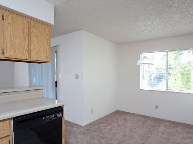 Terra Vida Apartments for Rent in Mesa, AZ | Dining Area with Windows