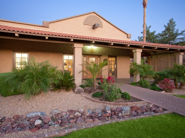 Villas at Cave Creek Apartments for Rent in Pheonix, AZ | Leasing Building