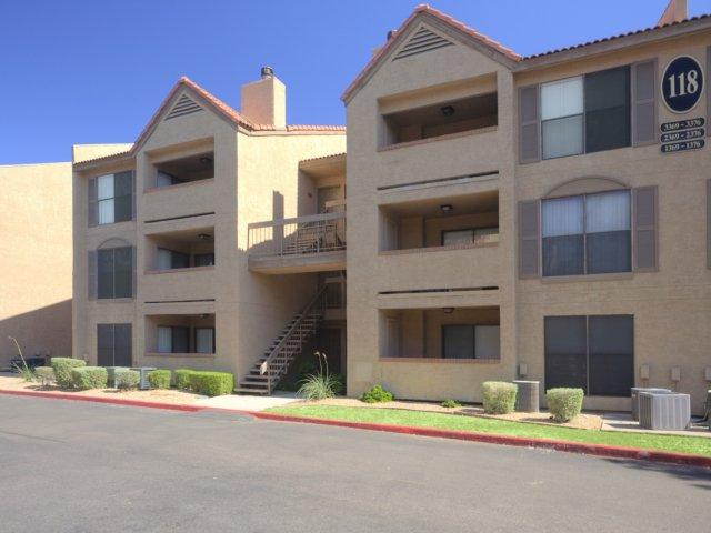 Villas at Cave Creek Apartments for Rent in Pheonix, AZ | Building Exterior