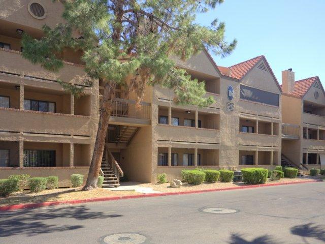 Villas at Cave Creek Apartments for Rent in Pheonix, AZ | Apartment Parking