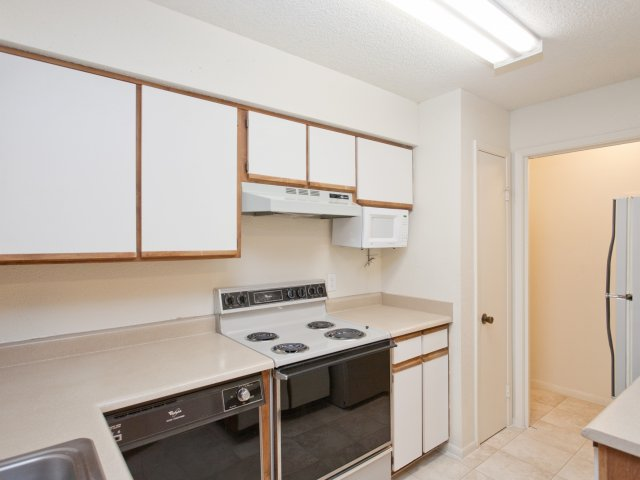 Villas at Cave Creek Apartments for Rent in Pheonix, AZ | Kitchen