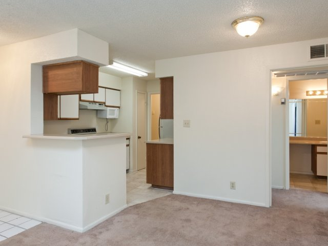 Villas at Cave Creek Apartments for Rent in Pheonix, AZ | Dining Area