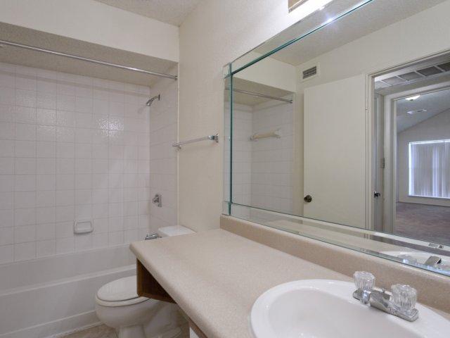 Villas at Cave Creek Apartments for Rent in Pheonix, AZ | Bathroom