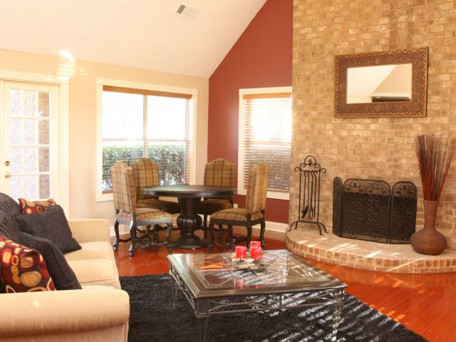 Windsor Park Apartments for Rent in Hendersonville, TN | Clubhouse Lounge Area