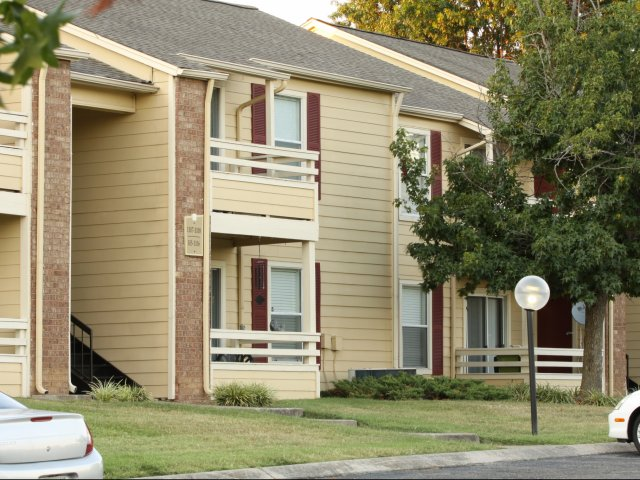 Windsor Park Apartments for Rent in Hendersonville, TN | Apartment Parking