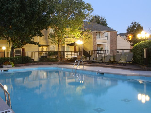 Windsor Park Apartments for Rent in Hendersonville, TN | Pool with Sundeck