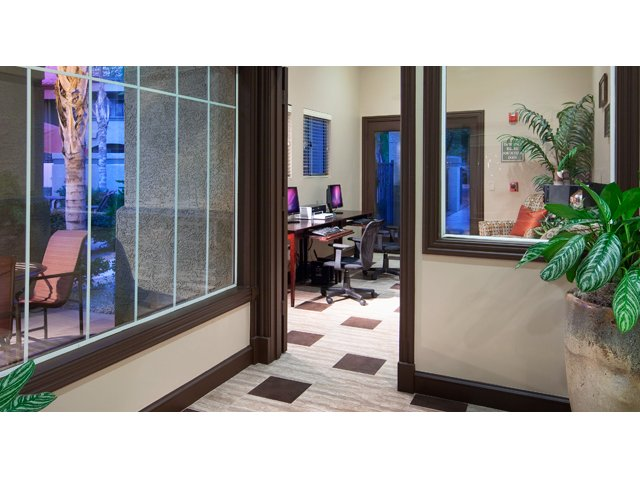 Sierra Canyon | Apartments for Rent in Glendale, AZ | Business Center