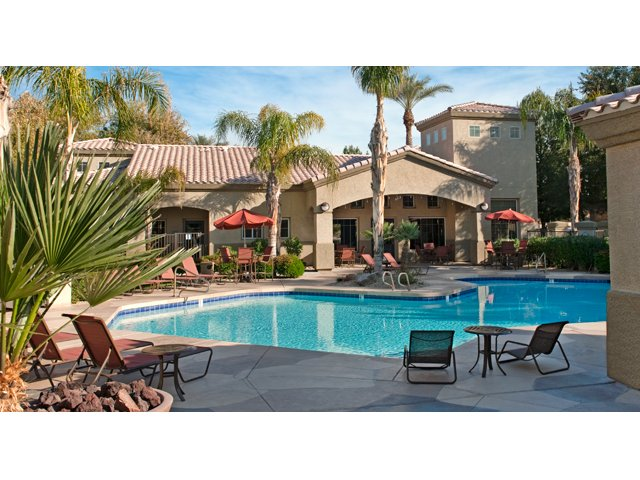 Sierra Canyon | Apartments for Rent in Glendale, AZ | Swimming Pool