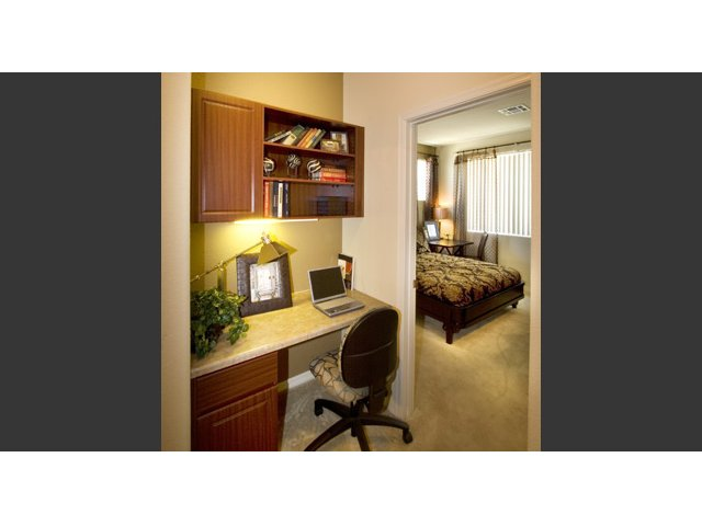 Waterford at Peoria Apartments for Rent in Peoria, AZ | Sweetwater Built In Desk