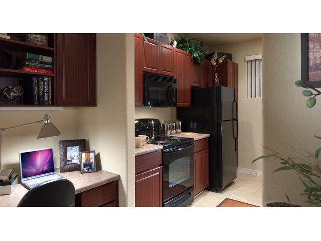 Waterford at Peoria Apartments for Rent in Peoria, AZ | Falcon Kitchen
