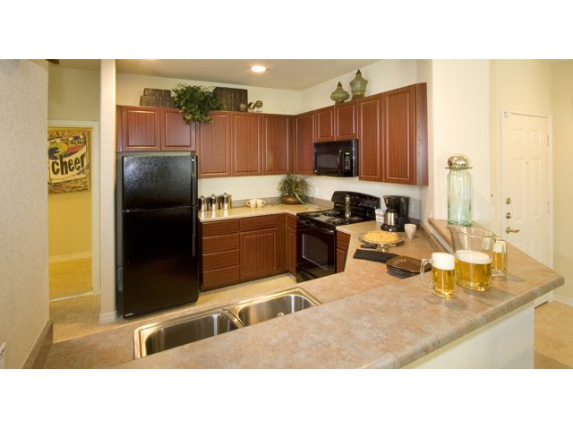 Waterford at Peoria Apartments for Rent in Peoria, AZ | Sweetwater Kitchen