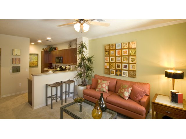Waterford at Peoria Apartments for Rent in Peoria, AZ | Braewood Living Room