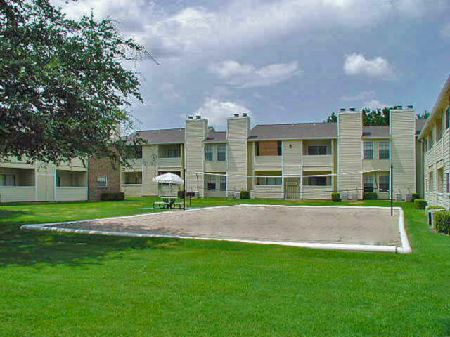 summer villas apartments for rent in dallas tx sand volleyball