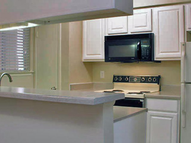 Costa Del Sol | Apartments in San Antonio, Texas | Kitchen