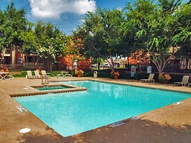 Summers Crossing | Apartments for Rent in Plano, TX | Swimming Pools