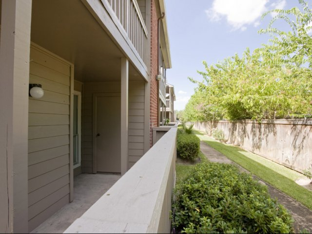 Richmond Green | Apartments for Rent in Houston, TX | Private Patio