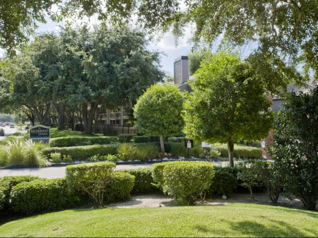 Richmond Green | Apartments for Rent in Houston, TX | Professional Landscaping