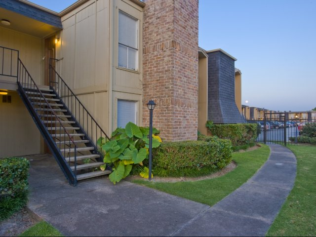Pineforest Park | Apartments for Rent in Houston, TX | Exterior Walkway