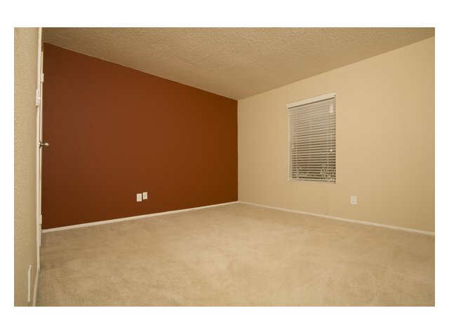 Bar Harbor | Apartment Rentals in Seabrook, TX | Bedroom with neutral carpet