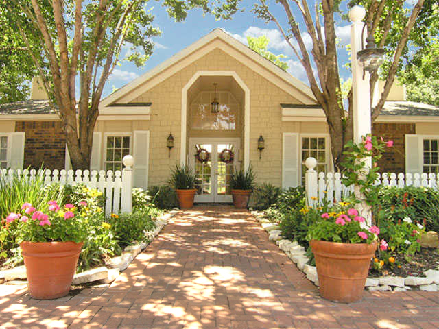 Bar Harbor | Apartment Rentals in Seabrook, TX | Exterior of Leasing Office
