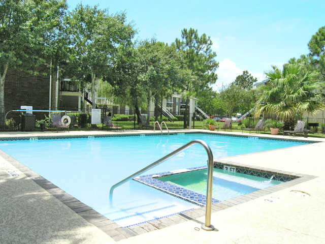 Bar Harbor | Apartments for Rent in Seabrook, TX | Refreshing Swimming Pool