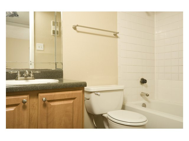 Bar Harbor | Apartments for Rent in Seabrook, TX | Bathroom