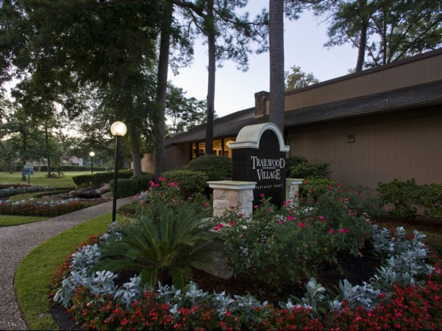 Trailwood Village Apartments for Rent in Kingwood, TX | Entrance Sign